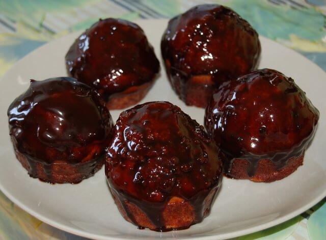 Шоколадные ромбабы с орехами