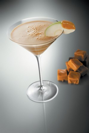 НАПИТКИ-фотограф Steve Adams.  Непривычные алкогольные напитки (18 фото).