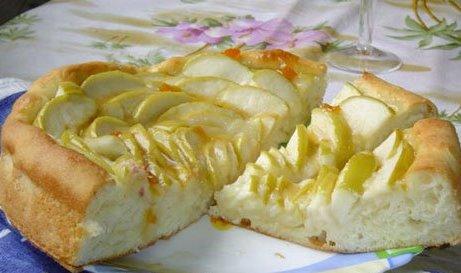 Яблочный пирог любим всеми он