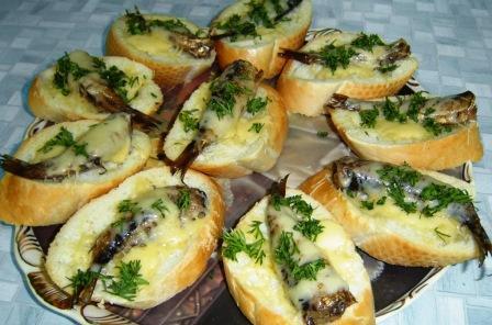 Бутерброды с шпротами