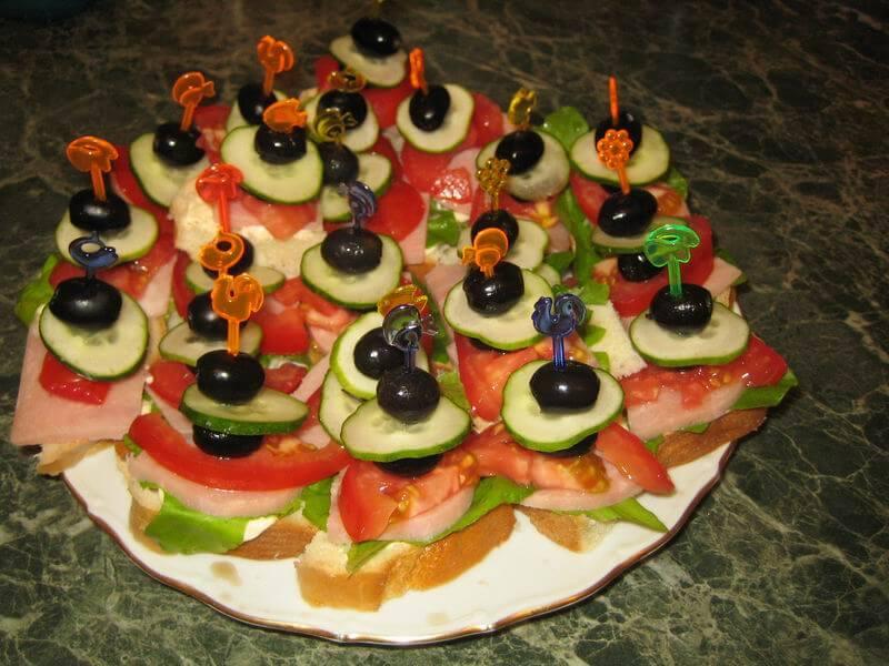 Салат с блинами курицей и грибами фото рецепт