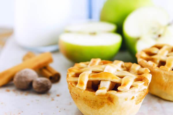 яблочные мини пироги с корицей